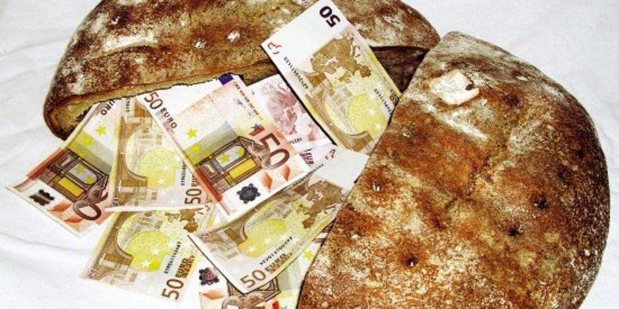 """Brot hat sich als denkbar ungeeignet für die illegale Einfuhr falscher Euroscheine aus Litauen erwiesen. <tbs Name=""""foto"""" Content=""""*un""""/>"""