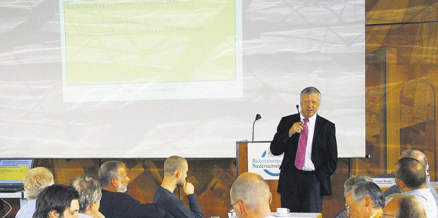 Die Entwicklung des Backwarenmarktes wird bis 2015 für einen weiteren Schwund an Handwerksbäckereien sorgen, prognostizierte Ralf Beisner als Referent bei der Betriebswirtschaftlichen Jahrestagung des Bäckerinnungs- Verbandes Niedersachsen/Bremen. Fo
