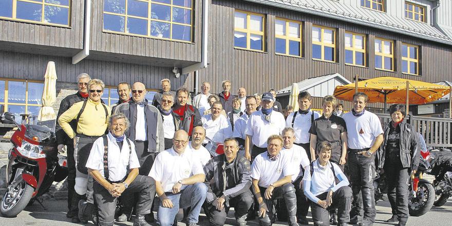 Bäcker und Biker: Handwerker, Kollegen aus der Branche und andere Motorrad-Enthusiasten teilen ihre Leidenschaft.