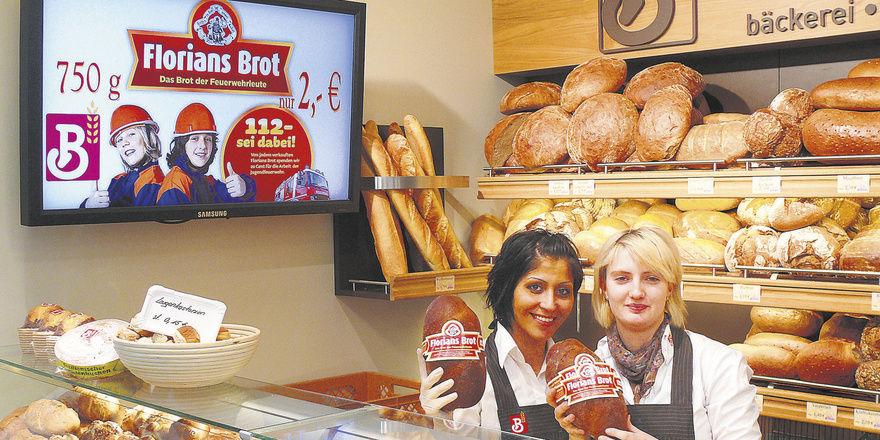 Der aktuelle Renner der Bäckerei Brenner: Das Florians-Brot, mit Charme und via Bildschirm beworben. Gerade der Monitor bietet durch wechselnde Werbebilder die Möglichkeit, einige Angebote besonders herauszuheben.