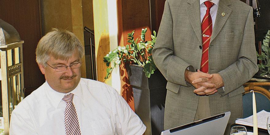 Geschäftsführer Frank Sautter (links) und Obermeister Georg Strohmaier erklärten die Vorzüge der Fusion mit der Innung Stuttgart.