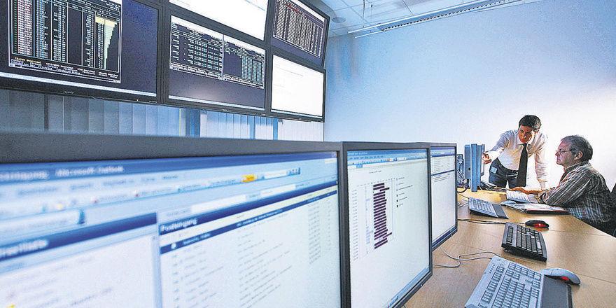 Im Rechenzentrum der Datev werden die eingehenden Faxe oder gescannte Belege digital archiviert und dem Unternehmer und Steuerberater bereitgestellt.