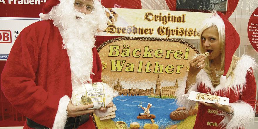 """Katrin und Matthias Walther luden am 24. Juni bereits zum neunten Mal zu ihrer """"Sommer-Weihnacht"""" ein und verkauften fast drei Zentner Christstollen – mehr, als so mancher Handwerksmeister in den westlichen Bundesländern während der gesamten Saison a"""