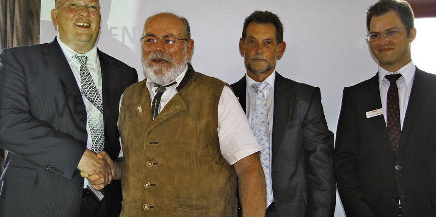 Auf der Versammlung der Bäko Südwürttemberg (von links): Geschäftsführender Vorstand Joost Bremer, Wolfgang Haug, Geschäftsführender Vorstand Wilfried Wiedmann und Verbandsprüfer Armin Komenda.