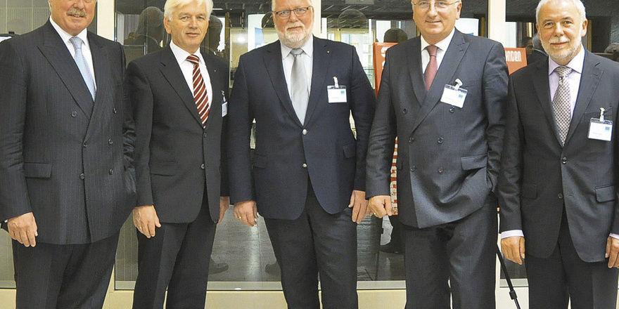 Der Vorstand (v.l.): L. Hennig, E. Starke, K. Borchers, A. Mensing, M. Wippler.