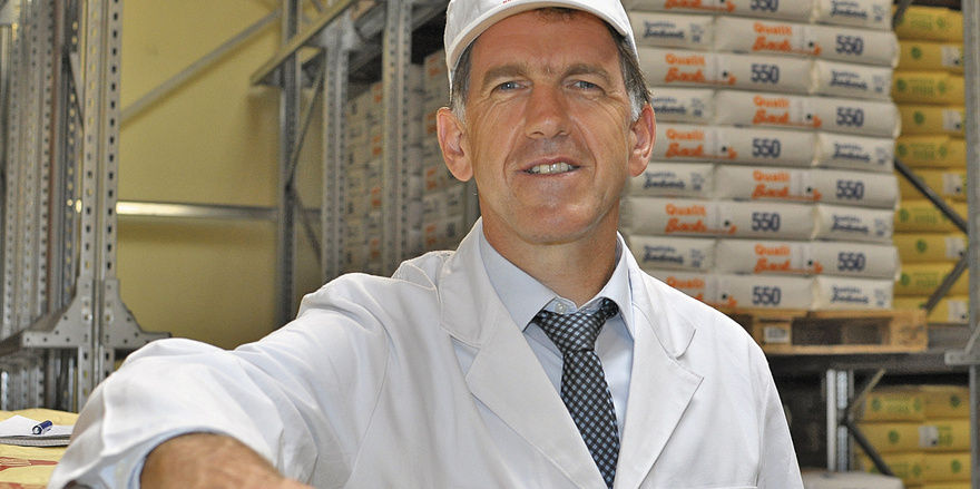 Michael Hiestand hat das Bäckerkonzept der Meyermühle aufgebaut. Ob Mahlstühle oder Silo-System: die Technologie des Unternehmens kann sich sehen lassen.