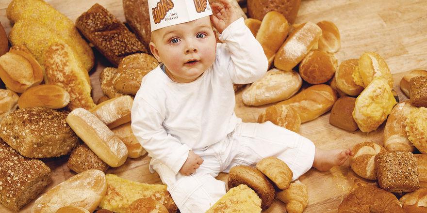 Glubschäuglein, Stupsnäschen und ein süßen Lächeln. Ja das zieht natürlich alle Blicke auf sich. Und auch auf die Backwaren, wie Bernd Kütscher von der Akademie des Deutschen Bäckerhandwerks weiß.