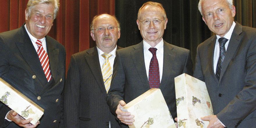 Die Ehrengäste (von links): ZV-Präsident Peter Becker, Obermeister Helmut Wind, LIM Johannes Schultheiß und Verbandsgeschäftsführer Andreas Kofler.