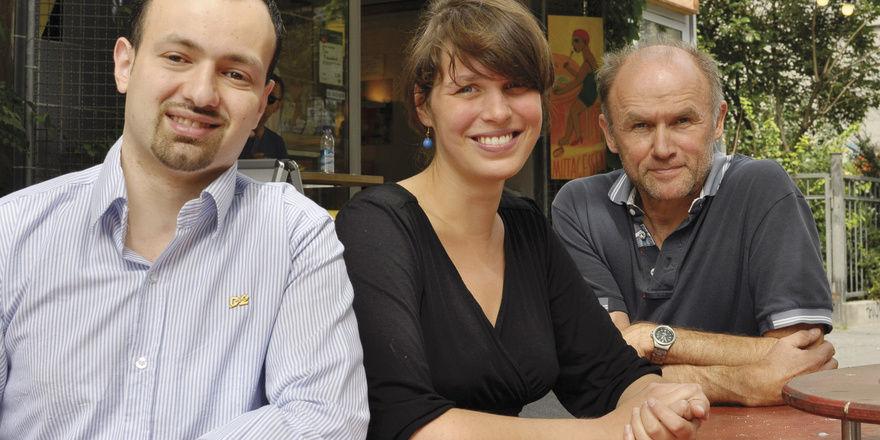 Begeistert von ihrem Ausbildungsbetrieb: Kerar Al-Hakim und Katrin Knopp neben Geschäftsgründer Antonius Beumer.