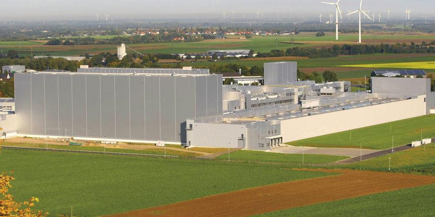 Hightech auf der grünen Wiese: Lidl hat in der Nähe von Aachen jetzt eine eigene Backwarenfabrik.