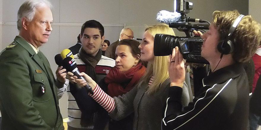 Mittelfrankens Polizeipräsident Johann Rast bei der Pressekonferenz im nachfolgenden TV-Interview.