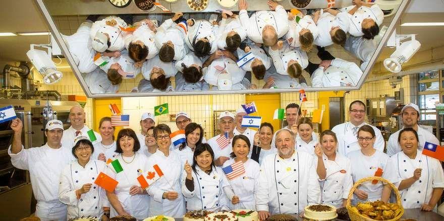 Deutsche Backkunst ist weltweit beliebt - jedes Jahr kommen zahlreiche Bäcker zum Lernen nach Deutschland.