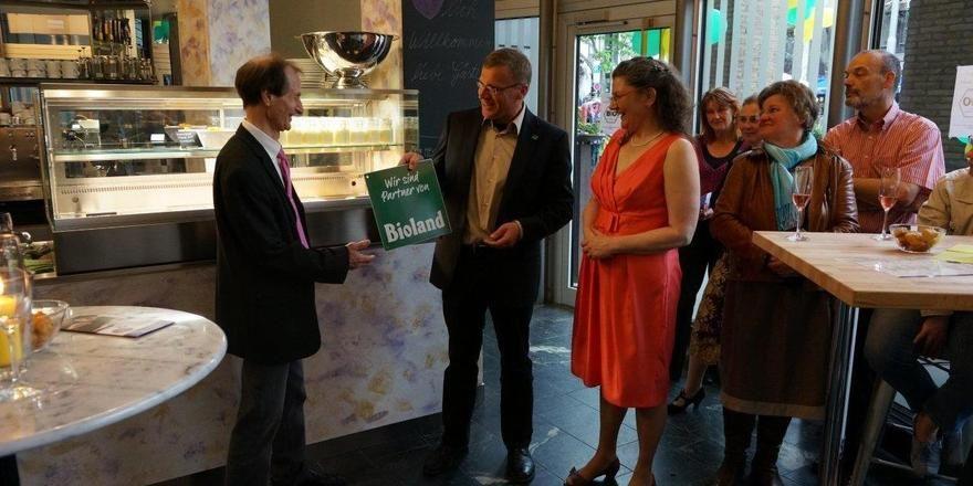 Bei der Eröffnung des BioLunch in Stuttgart (von links): Christoph Ritzerfeld, Marcus Arzt und Margarete Altmiks.