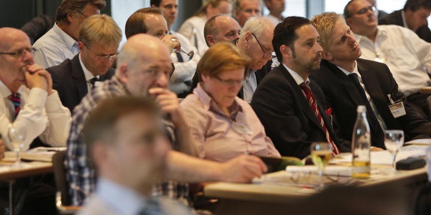 Die Teilnehmer der Veranstaltung erhalten Tipps von Experten.