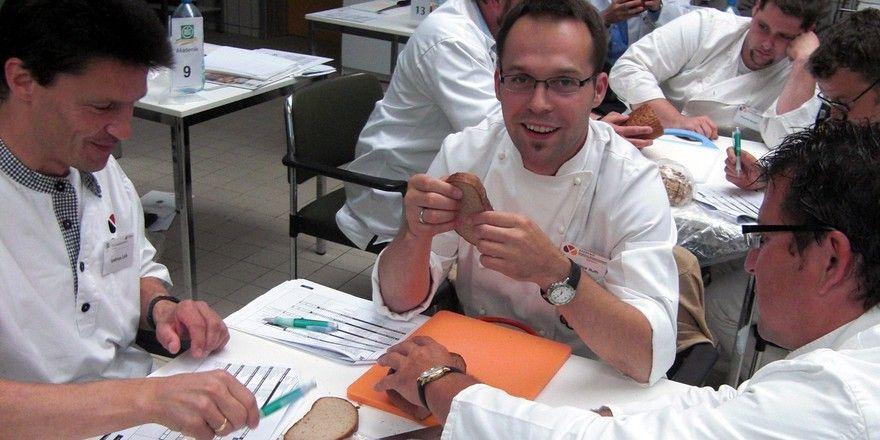 In Weinheim werden Brotprüfer ausgebildet.