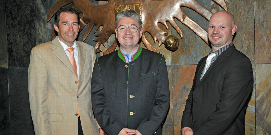 Das Führungsteam der neuen Bäckerinnung mit (von links): stellv. Obermeister Heinrich Traublinger, Obermeister Heinz Hoffmann und Landsbergs Obermeister Martin Klas.
