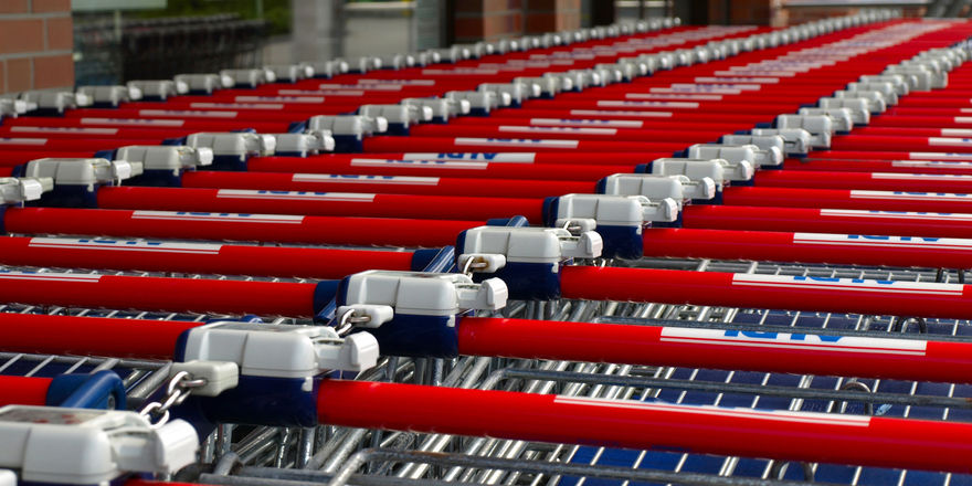 Aldi und Lidl gewinnen neue Kunden und Marktanteile hinzu.