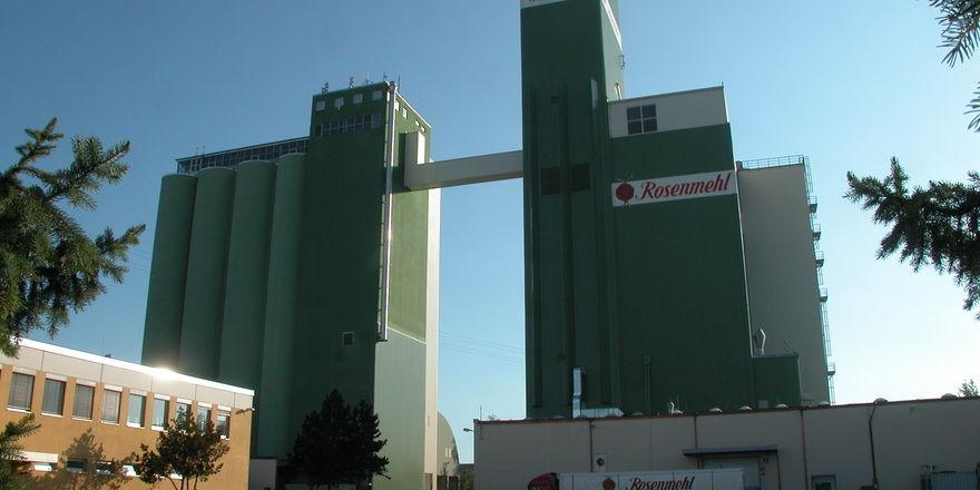 Auch die Rosenmühle in Landshut gehört zu der Kampffmeyer Milling Group, deren Geschichte vor 130 Jahren in Potsdam als Getreide- und Mehlhandel begann.
