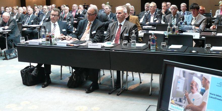 Weit über 100 Bäko-Vertreter und Gäste könnten mit dem präsentierten Geschäftsbericht für das Jahr 2012 zufrieden sein.