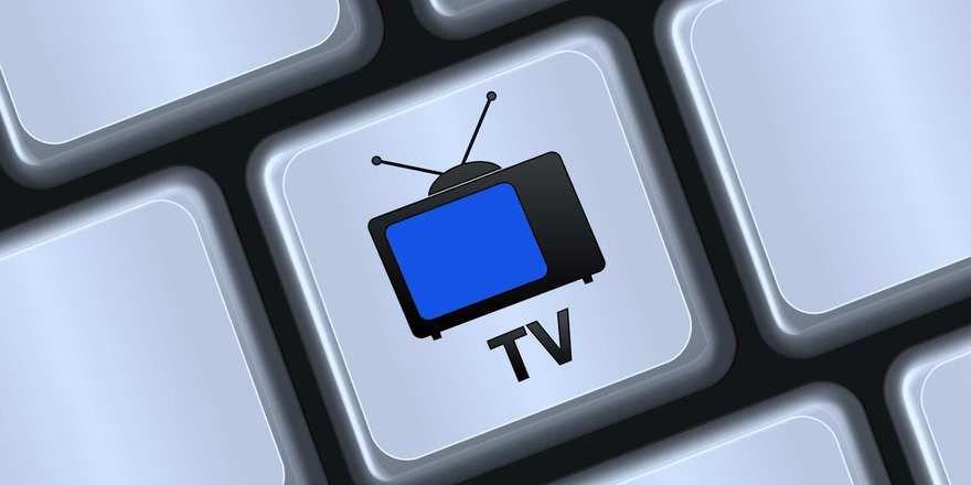 Das Fernsehprogramm lädt zum Naschen ein.