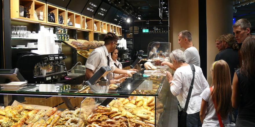 Die Wiener Feinbäckerei Heberer will weitere Hochfrequenzstandorte, wie hier am Frankfurter Flughafen, besetzen.