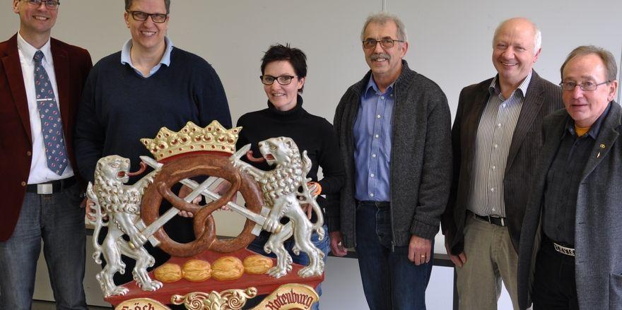 Sie stehen zusammen (von links): Dirk Bohn, Martin Jäger, Anja Lerch, Hermann Reidt, Wilfried Brandau und Dieter Blumenauer.