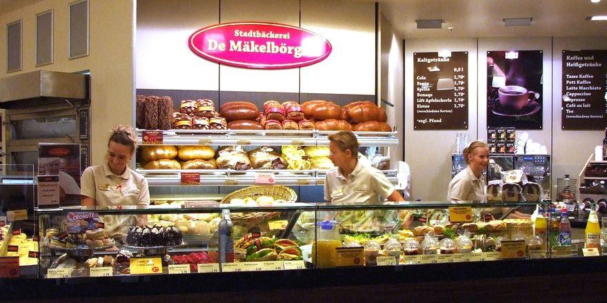 Zur Unternehmensgruppe De Mäkelbörger gehören die Filialen von der Der Havelbäcker und von De Mäkelbörger.