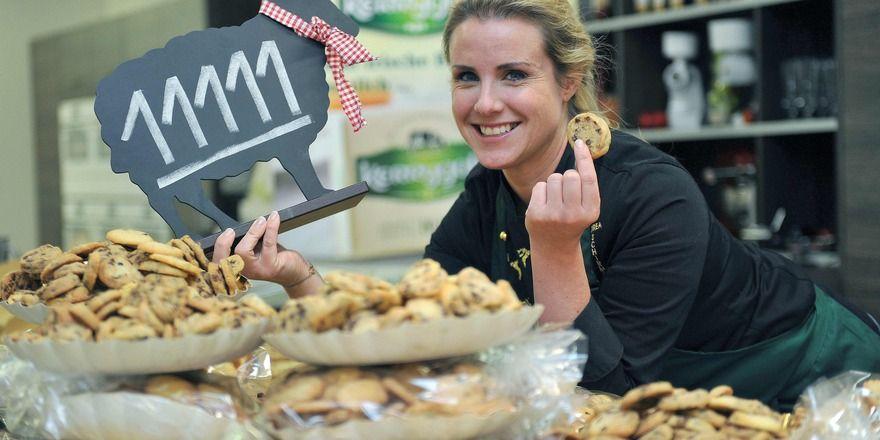 Andrea Schirmaier-Huber ist neue Rekordhalterin im Cookie-Backen.