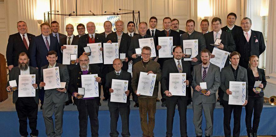 Landwirtschaftsminister Helmut Brunner hat 20 Bäcker aus ganz Bayern mit dem Staatsehrenpreis ausgezeichnet.