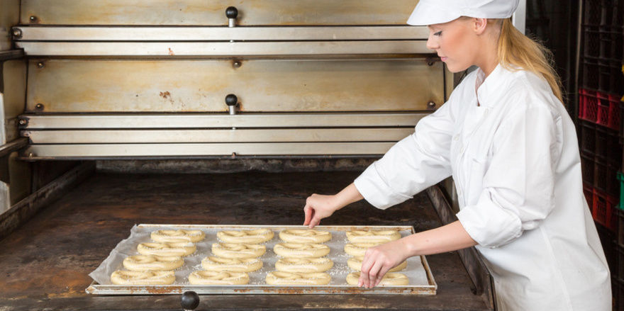 Bayerns Bäcker hätten durch gezielte Maßnamen den Alu-Gehalt in Brezeln kontinuierlich reduziert, betont der Verband.
