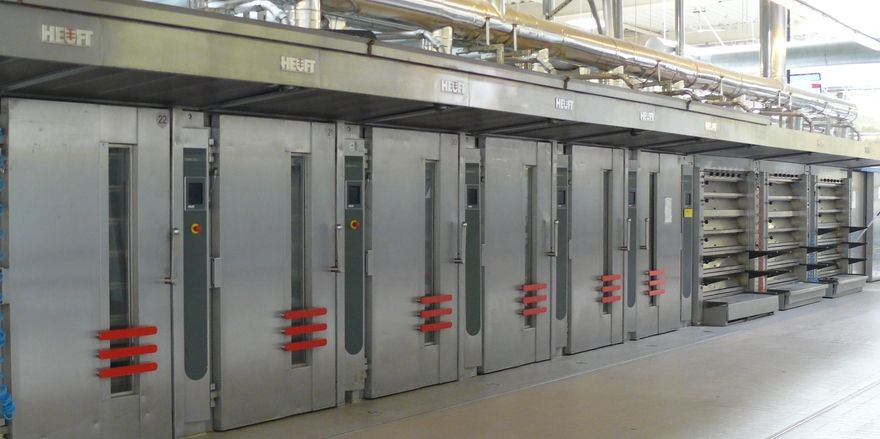 Ergänzend zu thermöölbeheizten Wagen- und Etagenöfen hat Heuft nun Kältetechnik im Portfolio.