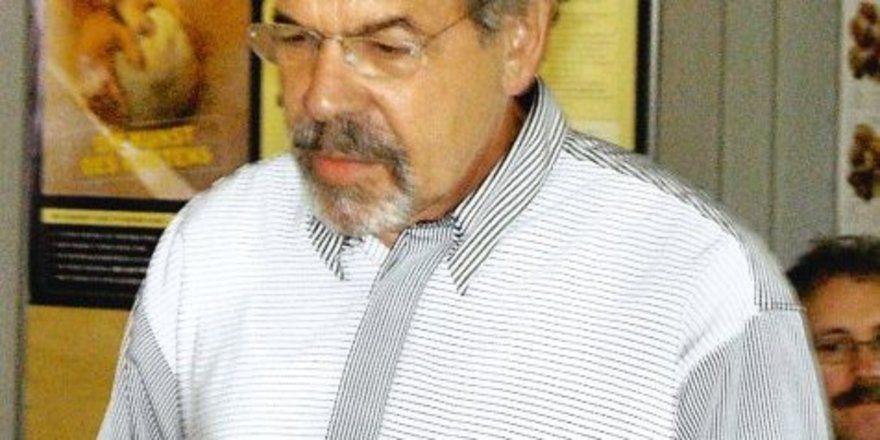 """Dr. Claus Zipfel bei seinen Ausführungen bei der Obermeistertagung des LIV Baden in Karlsruhe. <tbs Name=""""foto"""" Content=""""*un""""/>"""