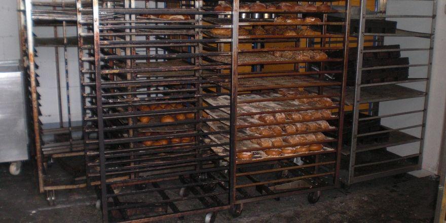 Es mangelt nicht nur an der Grundhygiene im Betrieb. Ratten und Mäuse verunreinigten Maschinen, Geräte und Backwaren.