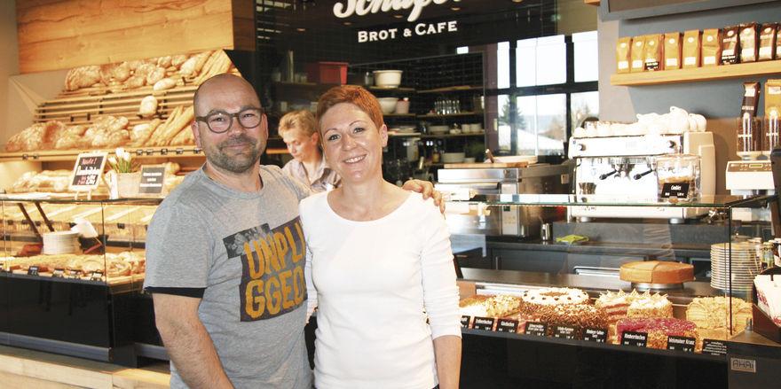Tanja und Jochen Schäfer haben für ihren gastlich gestalteten Standort neben Qualitätsbackwaren auch tageszeitlich wechselnde Bäckersnacks im Programm. Ein Konzept, das offenbar aufgeht.