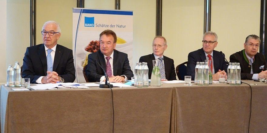 Der Bäko-Vorstand (von links): Wolfgang Schäfer, Holger Knieling, Johannes Schultheiß, Fritz Trefzger, Heinz Hoffmann