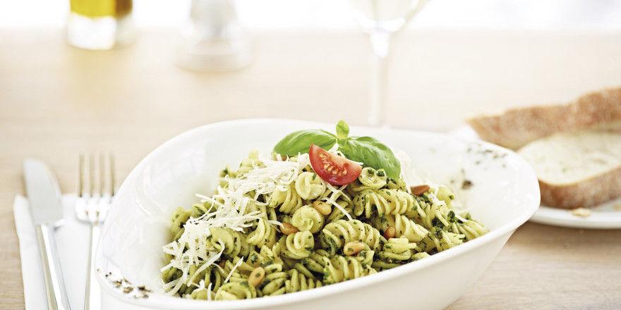 Vapiono-Konzept: Im Wohlfühl-Ambiente Pasta und Pizza vor den Augen der Gäste frisch zubereiten.