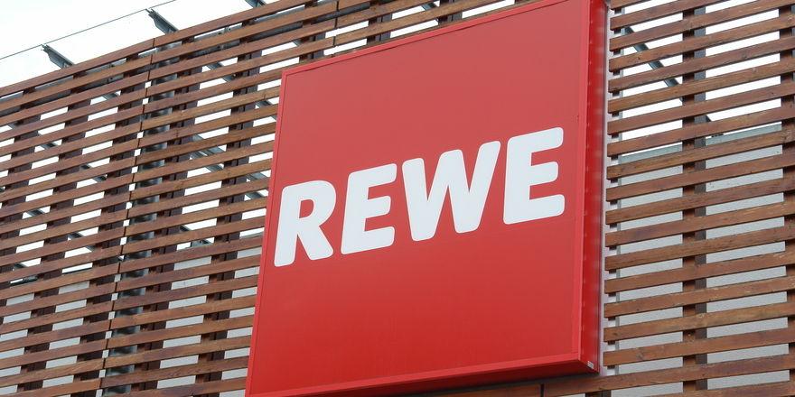 """Rewe wehrt sich gegen die Vorwürfe von """"Leere Tonne""""."""