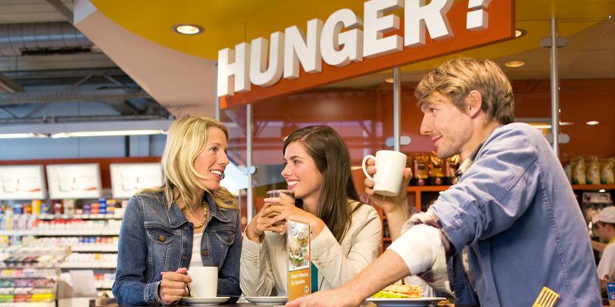 Der Verkauf von Lebensmitteln und anderem ist für die Tankstellenbetreiber längst wichtiger als der Verkauf von Kraftstoffen.