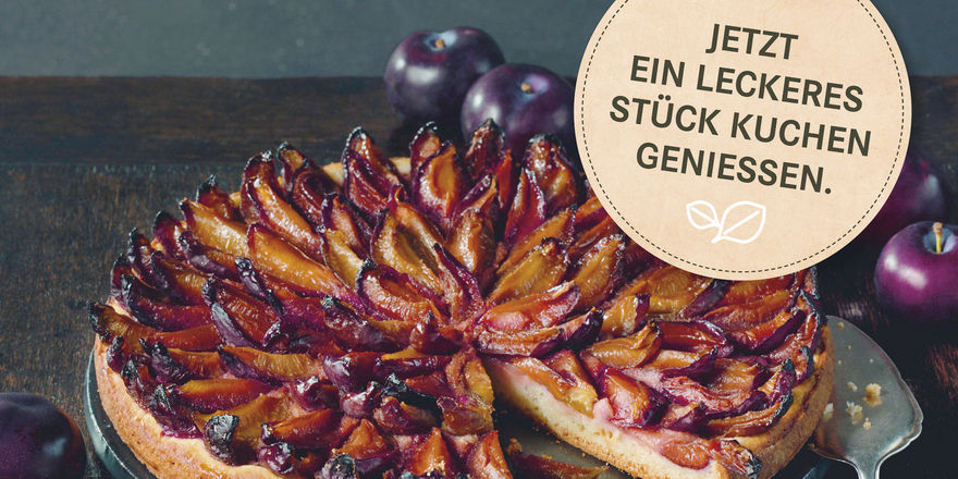 Pflaumenkuchen findet im Herbst bei den Kunden Anklang.