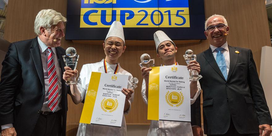Freuen sich bei der Siegerehrung (von links): Peter Becker, Hirokazu Asai, Noritoshi Shibuya und Wolfgang Schäfer.