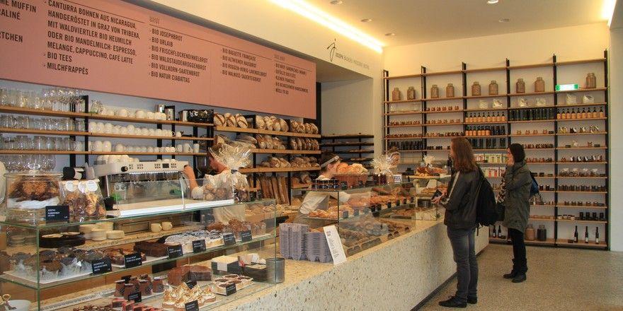 Großzügig, hell - ein Blick in die Bäckerei.