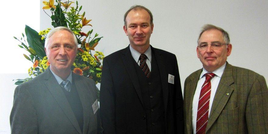 Abschied und Begrüßung (von links): Meinolf Lindhauer, Thomas Becker und DLG-Vizepräsident Achim Stiebing.