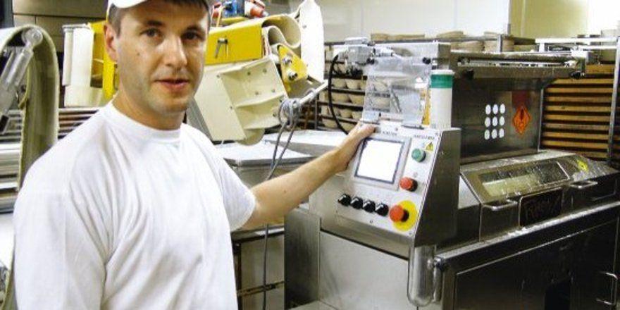 """Bäckermeister Volker Stephan: """"Ich habe mich lange gewehrt, die Teige maschinell abzuwiegen"""". <tbs Name="""