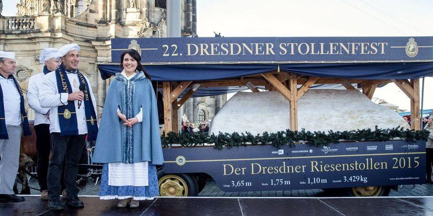 Im Mittelpunkt der Marketingaktivitäten rund um den Dresdner Stollen steht die alljährliche Präsentation des Riesenstollens.