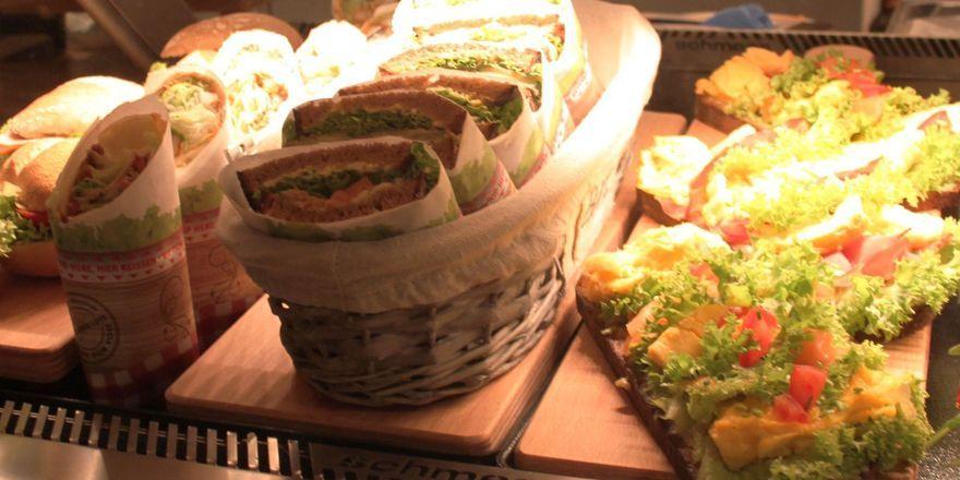 Wraps, belegte Brötchen und Brote zur passenden Tageszeit angeboten, steigern den Umsatz.
