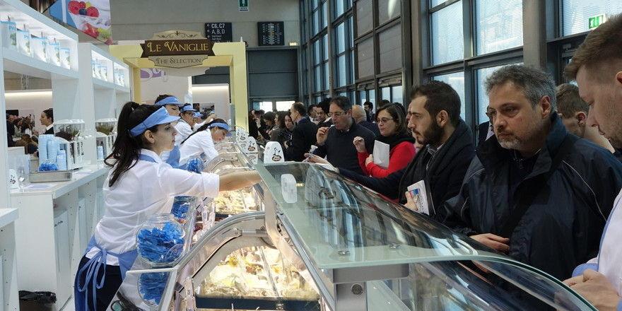 Die großen Speiseeis-Zulieferer präsentieren mehr als 100 Sorten zum Probieren.