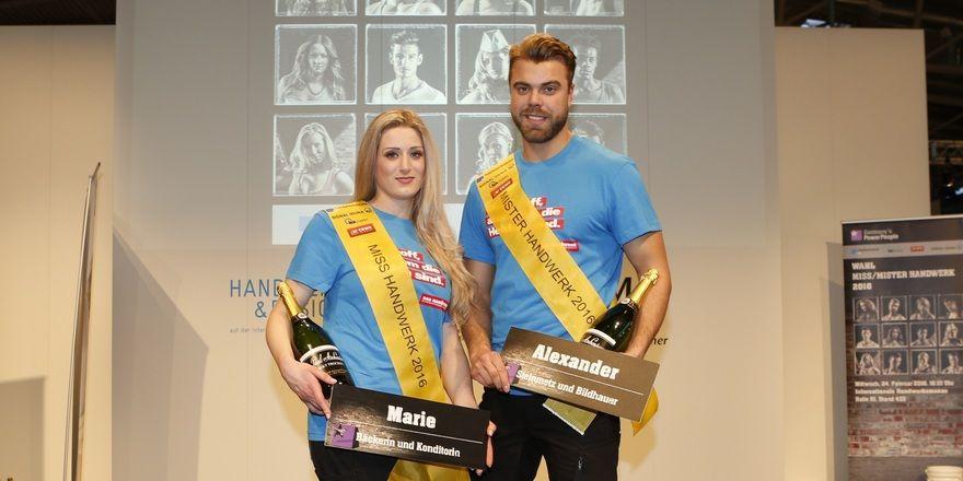 Freuen sich gemeinsam über ihren Sieg zu Miss und Mister Handwerk (v.l.): Bäckerin und Konditorin Marie Thérèse Simon und Steinmetz Alexander Knorr.