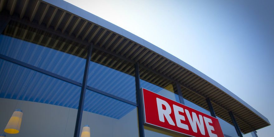 Die Rewe-Gruppe kann im Supermarktgeschäft deutliche Zugewinne beim Vollsortiment verbuchen.