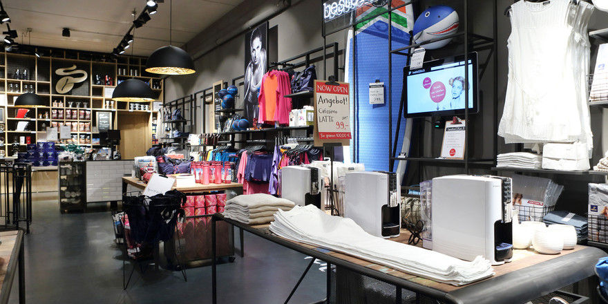 So sieht der neue Concept-Store von Tchibo in Hamburg aus.