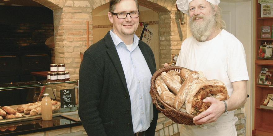 Regional, Bio und hausgemacht: Gastronom Oliver Firla (links) hat sein Restaurant-Konzept ausgebaut und seine hauseigene Bäckerei auf Bio-Produktion umgestellt. Bäcker Christian Timm hat die Umstellung organisiert.